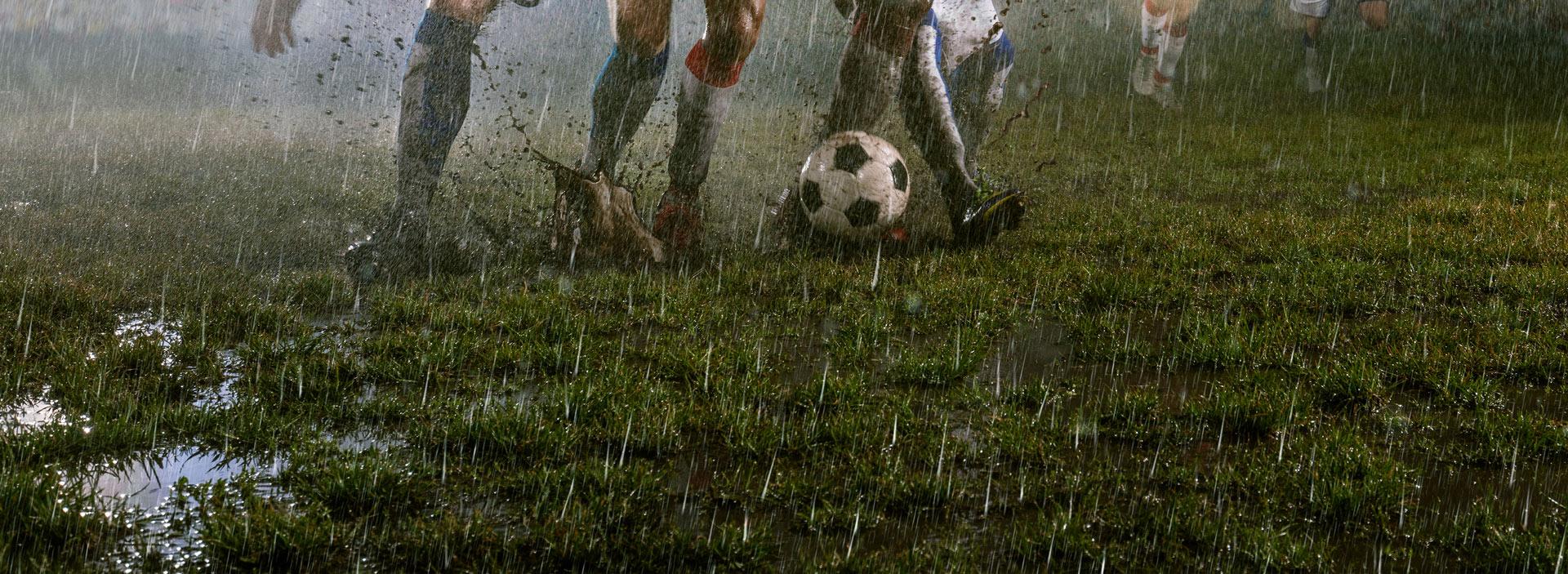 Terrain de sport humide